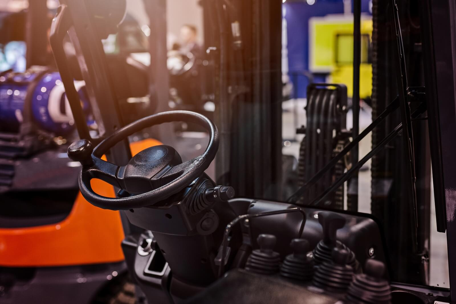 The Benefits of Renting a Forklift